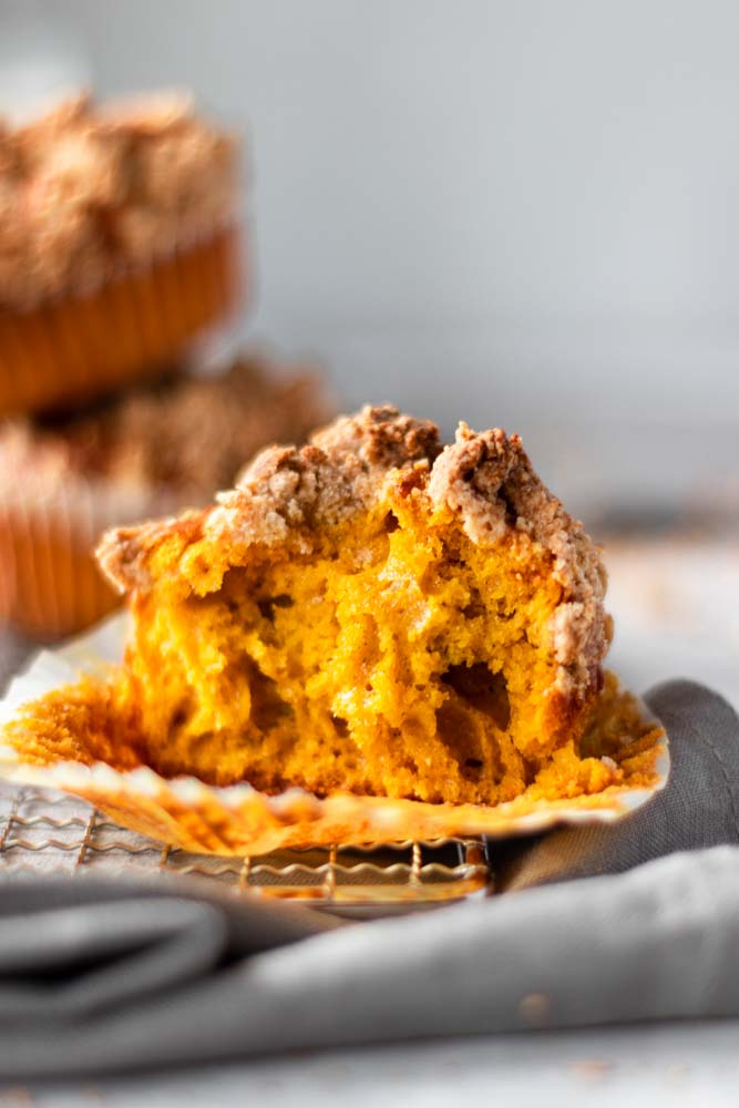 Muffins de abóbora e crumble dentada