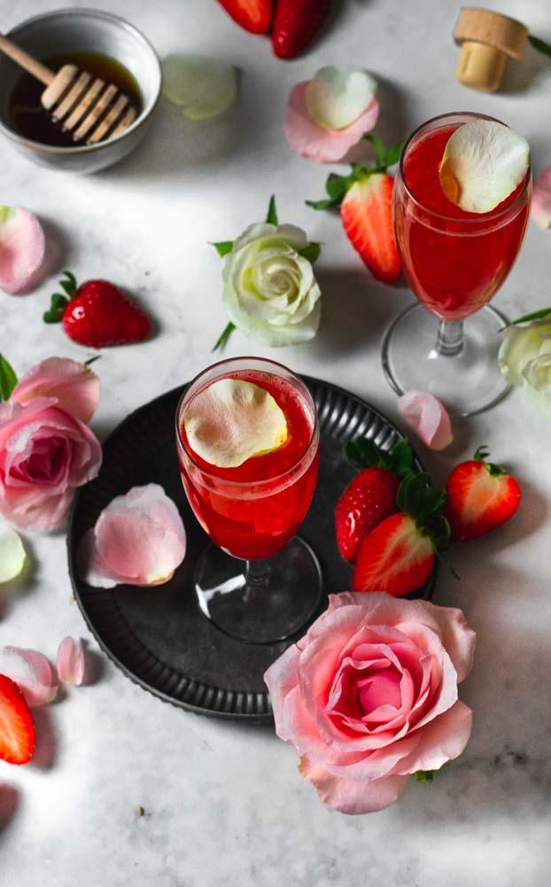 Cocktail de Gin e Morangos de cima
