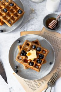 Waffles de Espelta com Mirtilos torre de 2 de cima